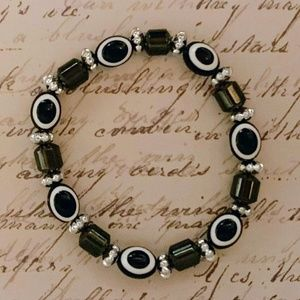Bracelet- NEW- Black and White Stretch Bracelet